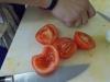 Rajčata oloupat a vyjadřincovat